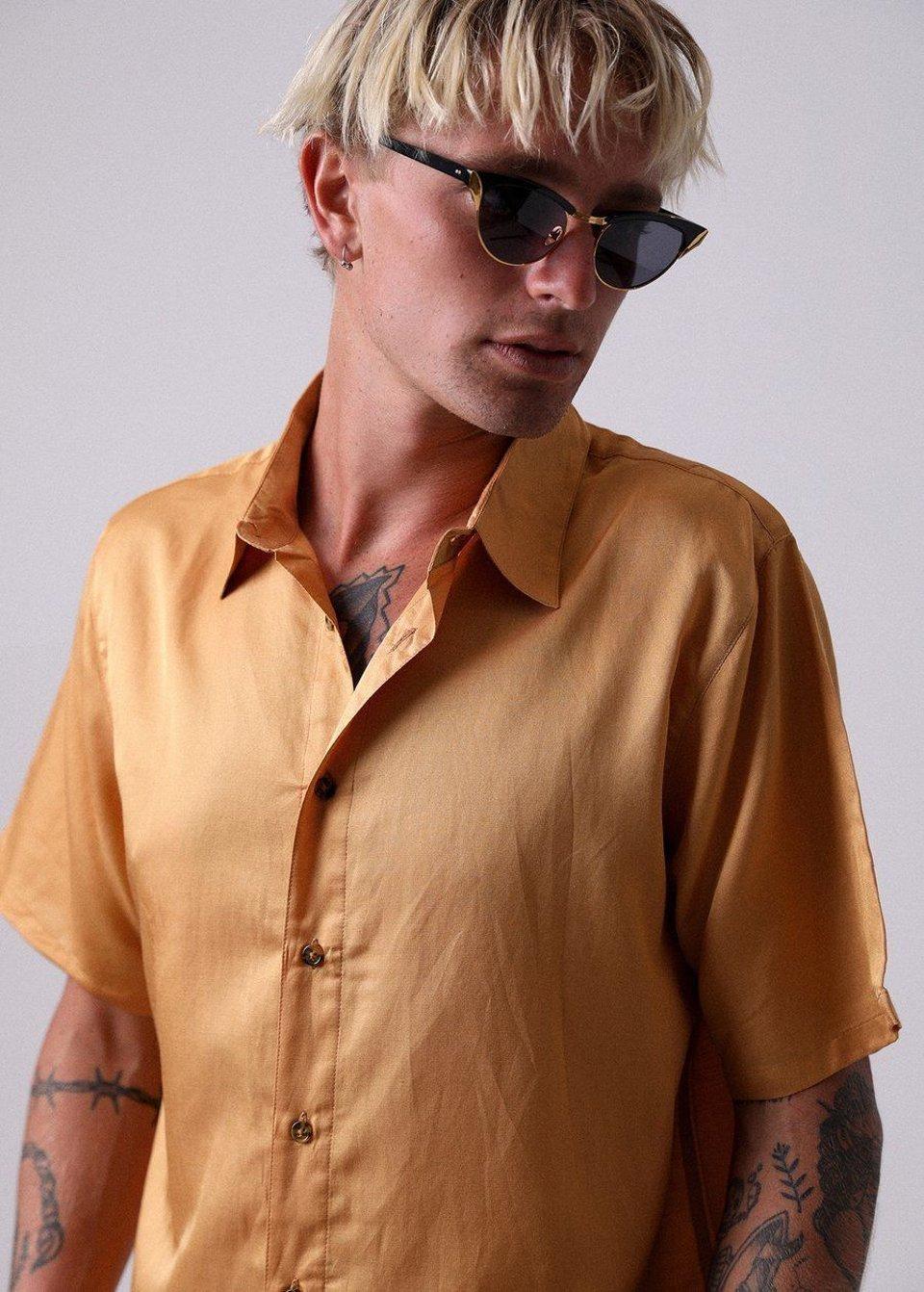 Afends Afends Holidayhemp Silk Shortsleeve Shirt Honey Yellow #1
