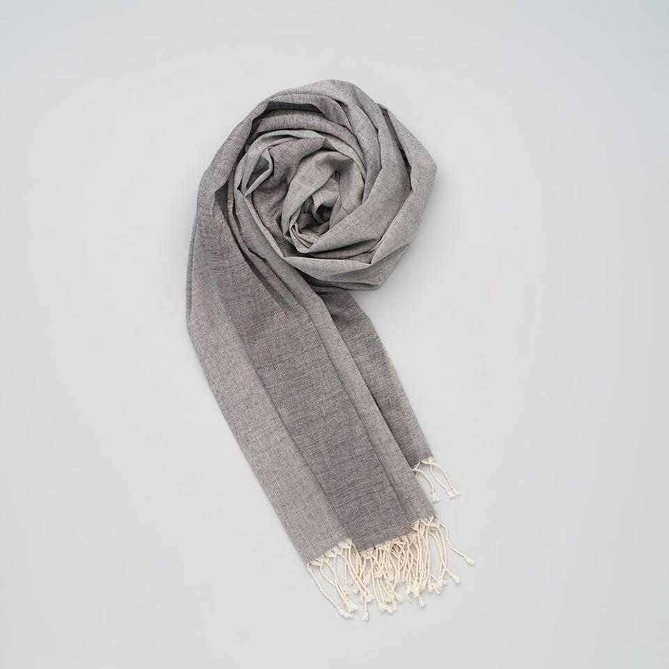 Kala Swaraj zachte handgeweven katoenen sjaal, grijstinten